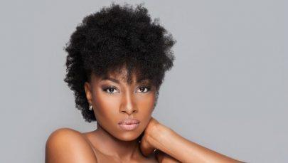 La tendance Nappy hair: conseils pour une routine capillaire simple